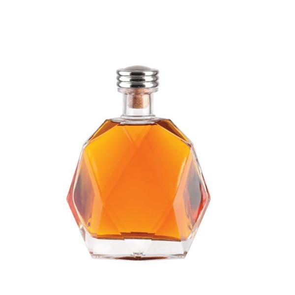 Fashion glass 500ml spirit bottle for xo